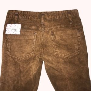 NWT Free People Skinny Cords, size 25